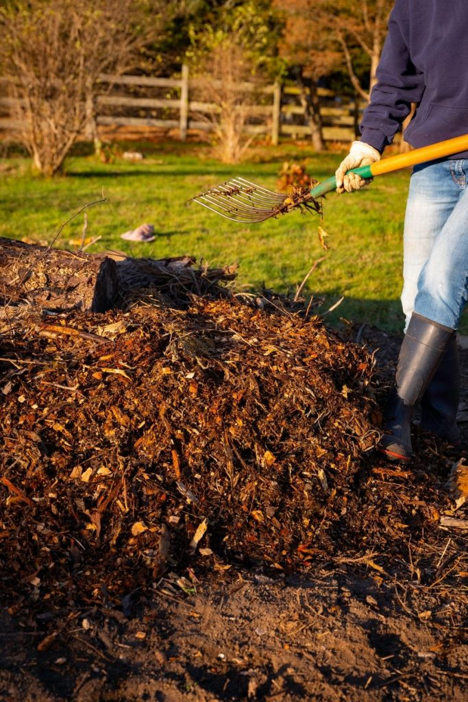 TURNING-COMPOST